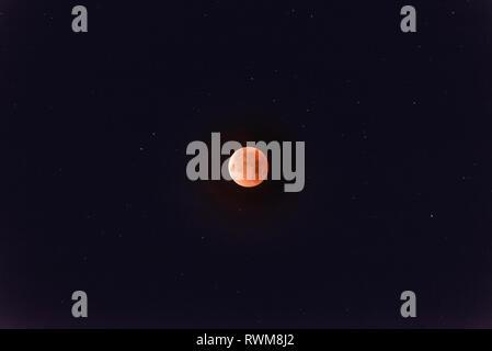 Super blood moon of January 31st 2018, Bishop, California, USA - Stock Photo