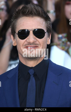 Apr 21, 2015 - London, England, UK - The Avengers: Age Of Ultron European Premiere, Vue Cinema, Westfield - Red Carpet Arrivals Photo Shows: Jeremy Re - Stock Photo