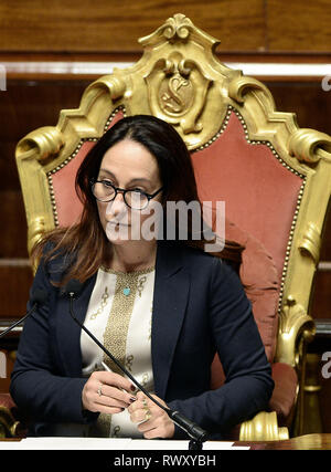 Foto Fabio Cimaglia / LaPresse 07-03-2019 Roma Politica Senato. Question Time Nella foto Paola Taverna   Photo Fabio Cimaglia / LaPresse 07-03-2019 Roma (Italy) Politic Senate. Question Time In the pic Paola Taverna - Stock Photo