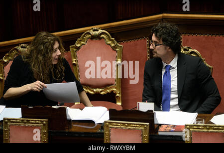 Foto Fabio Cimaglia / LaPresse 07-03-2019 Roma Politica Senato. Question Time Nella foto Erika Stefani, Danilo Toninelli   Photo Fabio Cimaglia / LaPresse 07-03-2019 Roma (Italy) Politic Senate. Question Time In the pic Erika Stefani, Danilo Toninelli - Stock Photo