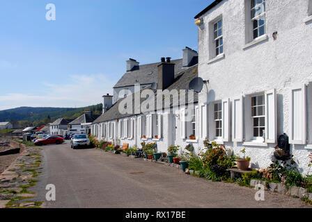Row of houses beside Lock Fine, Inveraray, Argyll, Scotland - Stock Photo