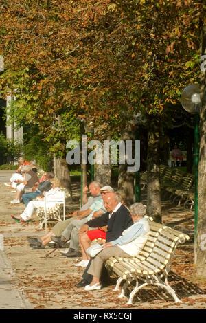 Deutschland, Bayern, Oberbayern, Bad Reichenhall, im Kurpark - Stock Photo