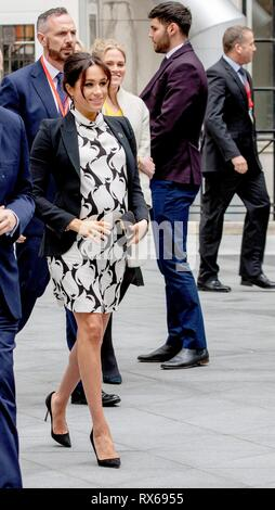 King's College London, UK. 8th Mar 2019. Meghan, Duchess of Sussex leaves at the King's College London in London, on March 8, 2019, after attending a panel discussion convened by The Queen's Commonwealth Trust to mark International Women's Day Photo: Albert Nieboer/ Netherlands OUT/Point de Vue OUT   Credit: dpa picture alliance/Alamy Live News - Stock Photo
