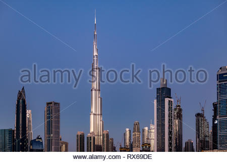 Dubai, United Arab Emirates, March 8th, 2019. Nice and clear weather at Dubai, with the iconic Burj Khalifa at sunset. United Arab Emirates. Credit: Stedata/Alamy Live News - Stock Photo