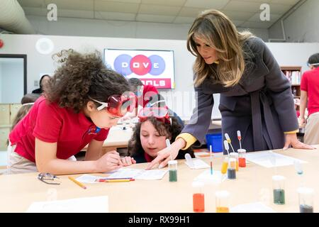 U.S First Lady Melania Trump joins students in science activities in Kelley Flemmings 6th grade class, during a visit to the Dove School of Discovery Elementary School March 4, 2019 in Tulsa, Oklahoma. - Stock Photo