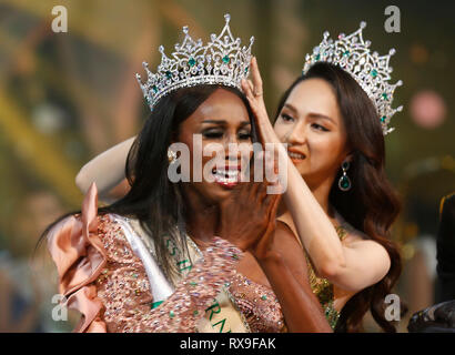 A beauty contestant from USA, Jazell Barbie Royale seen reacting