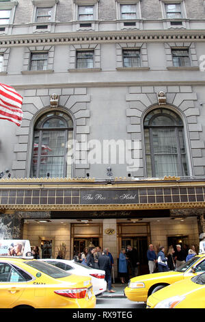 New York, USA. 17 May, 2016. Atmosphere, exterior at The Tuesday, May 17, 2016 UJA-Federation Of New York Sports For Youth Luncheon at The Roosevelt Hotel in New York, USA. Credit: Steve Mack/S.D. Mack Pictures/Alamy - Stock Photo