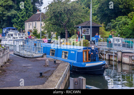 Narrowboats Passing Through Marsh Lock,  Henley On Thames, UK - Stock Photo