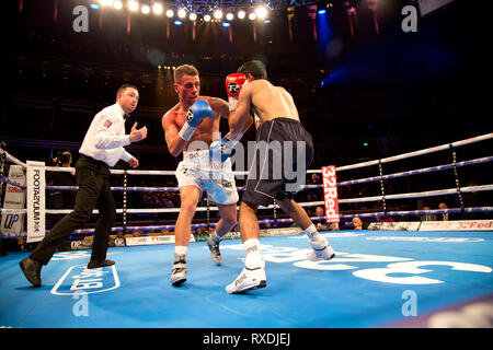 London uk 8th March 2019 Boxing returns to the royal albert hall kensington gore london Featherweight contest Lucien Reid v Indi Sangha Credit: Dean Fardell/Alamy Live News - Stock Photo