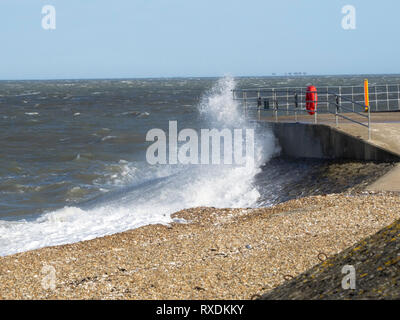 Sheerness, Kent, UK. 9th March, 2019. UK Weather: strong winds whip up the waves in Sheerness, Kent this afternoon. Credit: James Bell/Alamy Live News - Stock Photo