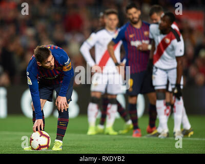 Barcelona, Spain. 09th Mar, 2019. BARCELONA, 09-03-2019. LaLiga 2018/ 2019, date 27. Barcelona-Rayo Vallecano. Lionel Messi of FC Barcelona before throwing the penalty during the game Barcelona-Celta Credit: Pro Shots/Alamy Live News - Stock Photo