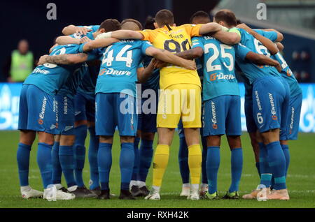 St Petersburg, Russia. 10th Mar, 2019. ST PETERSBURG, RUSSIA - MARCH 10, 2019: FC Zenit St Petersburg's players huddle ahead of their 2018/19 Russian Premier League Round 19 football match against FC Ufa at Gazprom Arena Stadium. Alexander Demianchuk/TASS Credit: ITAR-TASS News Agency/Alamy Live News - Stock Photo