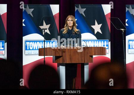 U.S First Lady Melania Trump delivers an address during an Opioid Town Hall at the Westgate Las Vegas Resort and Casino March 5, 2019 in Las Vegas, Nevada. - Stock Photo