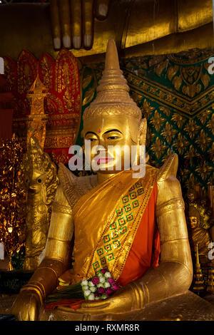 Cambodia, Phnom Penh, Oudong, Vihear Preah Ath Roes, golden kenar statue in reconstructed vihar - Stock Photo