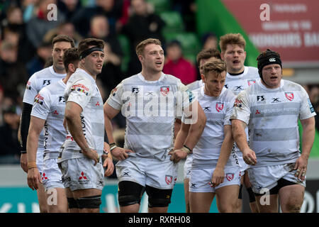 London, UK. 10th Mar 2019. Gloucester team look disappointed during Gallagher Premiership match between Harlequins and Gloucester Rugby at Twickenham Stoop on Sunday, 10 March 2019. LONDON ENGLAND.  (Editorial use only, license required for commercial use. No use in betting, games or a single club/league/player publications.) Credit: Taka G Wu/Alamy News - Stock Photo