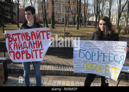 Kiev, Ukraine. 9th Mar, 2019. Demonstrators seen holding placards during the rally.Ukrainians rally in Solidarity with the inhabitants of the annexed Crimea, at the Shevchenko Park in Kiev. Credit: Alexey Ivanov/SOPA Images/ZUMA Wire/Alamy Live News - Stock Photo