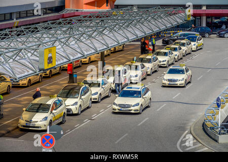 Taxis, Flughafen, Tegel, Reinickendorf, Berlin, Deutschland - Stock Photo
