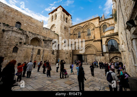 In the courtyard of the Church of the Holy Sepulchre in Jerusalem, Israel. - Stock Photo