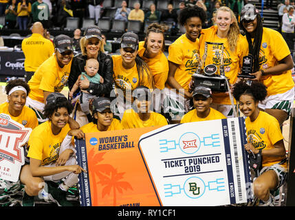Oklahoma City, OK, USA. 11th Mar, 2019. The Baylor Lady Bears celebrate ''punching their ticket'' by winning the Phillips 66 Big 12 Womens Basketball Championship at Chesapeake Energy Arena in Oklahoma City, OK. Gray Siegel/CSM/Alamy Live News - Stock Photo