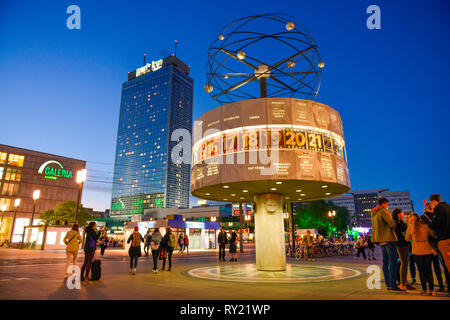 Weltzeituhr, Park Inn Hotel, Alexanderplatz, Mitte, Berlin, Deutschland - Stock Photo