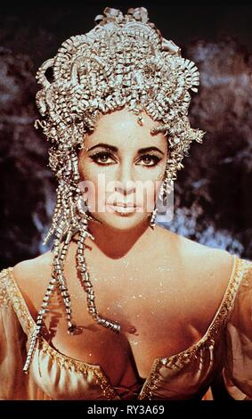 ELIZABETH TAYLOR, DOCTOR FAUSTUS, 1967 - Stock Photo