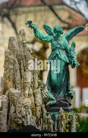 Trauerengel, Nordfriedhof, Ungererstrasse, Muenchen, Bayern, Deutschland