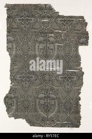 Fragment, 1000s - 1100s. Iran or Iraq ?, Seljuk period, 11th - 12th century. Lampas weave, silk; overall: 49 x 33 cm (19 5/16 x 13 in - Stock Photo