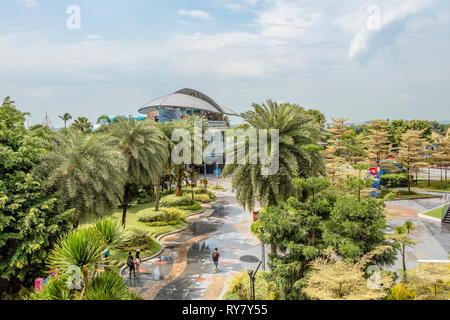 Palawan Beach Monorail Station on Sentosa Island, Singapore | Palawan Strand Monorail Station auf der Insel Sentosa, Singapur - Stock Photo