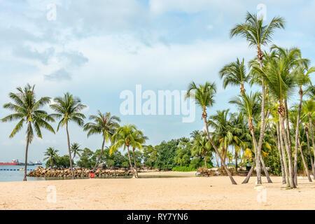 Palawan Beach on Sentosa Island, Singapore | Palawan Strand auf der Insel Sentosa, Singapur - Stock Photo