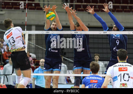 Gdansk, Poland March, 13th. 2019 Trefl Gdansk (Poland) v Zenit Kazan (Russia) CEV Champions League Men - Quarter Finals volleyball game. RUBEN SCHOTT (13) of Trefl Gdansk is seen in action against MAXIM MIKHAILOV (18) of Zenit-Kazan, ALEXEY SAMOYLENKO (13) of Zenit-Kazan, EARVIN NGAPETH (9) of Zenit-Kazan © Vadim Pacajev / Alamy Live News Stock Photo