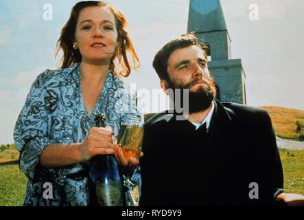 RUTH MCCABE, DANIEL DAY-LEWIS, MY LEFT FOOT, 1989 - Stock Photo