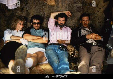 KATE CAPSHAW, STEVEN SPIELBERG, GEORGE LUCAS, HARRISON FORD, INDIANA JONES AND THE TEMPLE OF DOOM, 1984 - Stock Photo