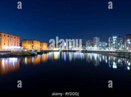 A shot of The fabulous Royal Albert Dock in Liverpool. Even the stars came out for this long exposure. - Stock Photo