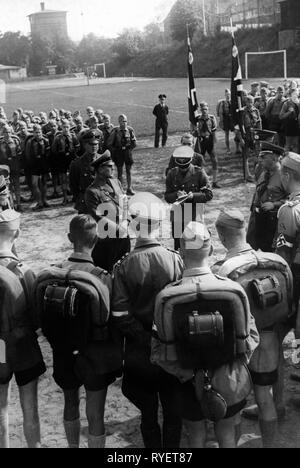 Nazism / National Socialism, organisations, Hitler Youth (HY), appeal before the drive to the Nuremberg Rally, Berlin, Germany, 1930s, Additional-Rights-Clearance-Info-Not-Available - Stock Photo