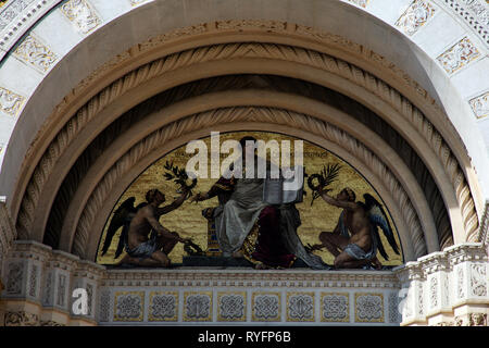 Mosaic above the door to the Famedio, the main memorial chapel of Milan cemetery, Cimitero Monumentale di Milano Italy - Stock Photo