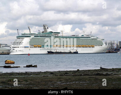 Royal Caribbean cruise liner, Navigator of the Seas being refuelled by tanker Whitmariner at Southampton Docks - Stock Photo