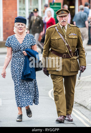 Woodhall Spa 1940s Festival - Couple dressed in 1940s sytle - Stock Photo