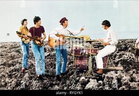 RINGO STARR, PAUL MCCARTNEY, GEORGE HARRISON, JOHN LENNON, HELP!, 1965 - Stock Photo