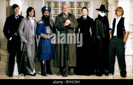 JASON FLEMYNG, STUART TOWNSEND, NASEERUDDIN SHAH, SEAN CONNERY, PETA WILSON, TONY CURRAN, SHANE WEST, THE LEAGUE OF EXTRAORDINARY GENTLEMEN, 2003 - Stock Photo