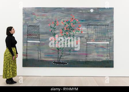 London, UK.  14 March 2019.  A staff member views 'Rosebush', 2017, by Tom Howse. Preview of 'Kaleidoscope', a new exhibition at the Saatchi Gallery featuring the work of 9 contemporary artists.  The show runs 15 March to 5 May 2019.  Credit: Stephen Chung / Alamy Live News - Stock Photo