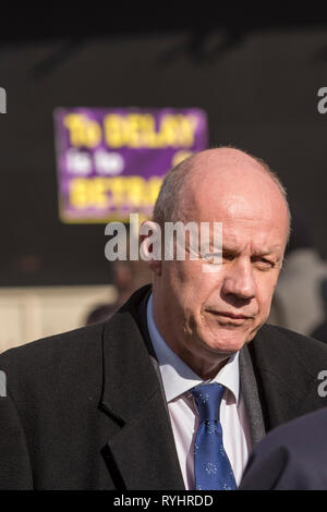 London, UK. 14th Mar, 2019. Damian Green, MP for Ashford, takes part in an interview in Westminster. MPs are due to vote on whether to delay the departure date for Brexit later today. Credit: Stephen Chung/Alamy Live News - Stock Photo