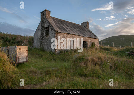 Dursey Island, Cork, Ireland. 18th June, 2016  An old abandoned home in the townland of Kilmichael on Dursey Island, Co. Cork, Ireland. - Stock Photo