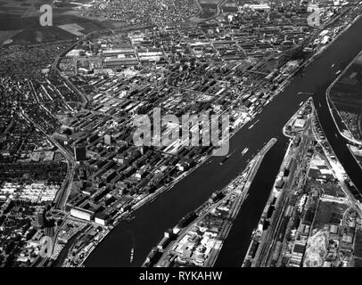 industry, plant, chemical industry, BASF area, Ludwigshafen, Germany, aerial photograph, 1990s, Additional-Rights-Clearance-Info-Not-Available - Stock Photo