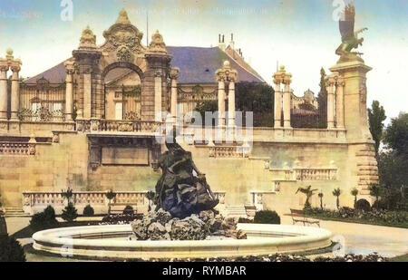 Gardens in Budapest, Turul (Buda Castle), Water wells in Budapest, Habsburg Gate, 1905, Budapest, Burggarten mit Turul., Hungary - Stock Photo