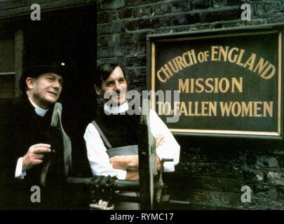 ELLIOTT,PALIN, THE MISSIONARY, 1982 - Stock Photo