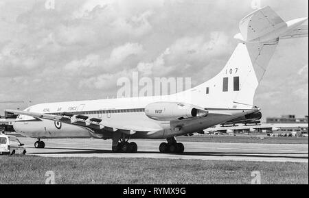 An RAF VC 10 aircraft being operated to transport the then Prime minister Margaret Thatcher on official visits. The aircraft is fitted an anti heat seeking missile pod beneath the engine. - Stock Photo
