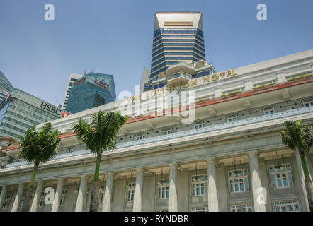 View towards Raffles Place from the Fullerton Hotel, Singapore - Stock Photo