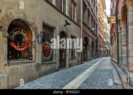vieux lyon rue du boeuf - Stock Photo
