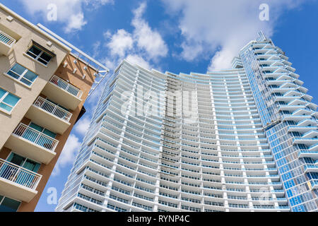 Miami Florida Paramount Bay Arquitectonica building high rise new under construction condominium real estate asymmetrical balcon - Stock Photo