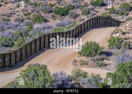 US Border fence, landing mat style construction, Jacumba California - Stock Photo